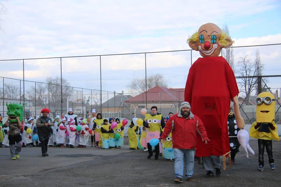 A karcagi Szent Pál Marista Általános Iskola ez évben is látványos farsangi  felvonulással és kiszebáb égetéssel búcsúztatja a telet. 889dff9c19