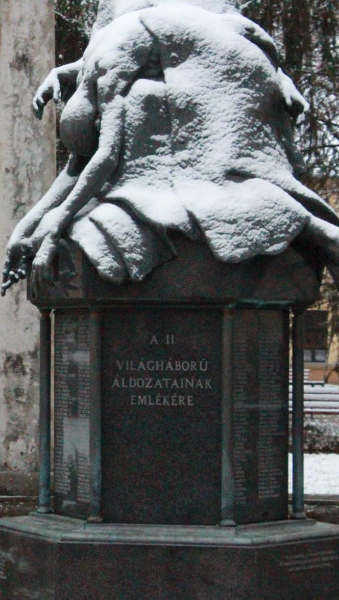 Világháború áldozataira és a 2. magyar hadsereg doni katasztrófájának  évfordulójára Karcagon 2019. január 13-án vasárnap 10 00-kor kezdődő  istentiszteleten ... bd0980797d